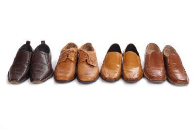 Vetvlek op leren schoen verwijderen