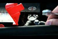 Wijzig accu van de auto - Stap-voor-stap handleiding