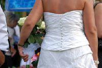 Naai chiffon jurk voor bruiloft zelf - een gids