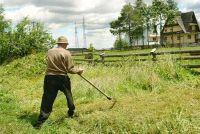 Gazon maaien met een bosmaaier - hoe het werkt