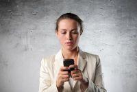 Vertel het verschil tussen mobiele en smartphone leek