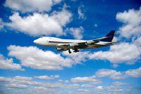 Koop sigaretten op het vliegtuig - zo u geld besparen