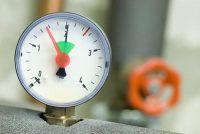 Aan het huiswatervoorzieningsinstallatie passen de druk - Wat u moet dit overwegen