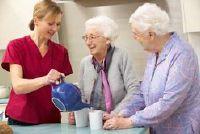 Altenpflegehelferin - salaris en opleidingsmogelijkheden in een oogopslag