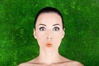 Kus op het voorhoofd - Begrip