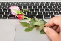 Gebruik het element van verrassing voor romantiek in het dagelijks leven