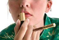 Wie de uitvinder van de lipstick?  - Interessante Feiten
