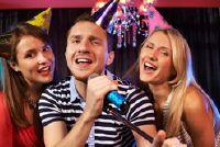 Breng door middel van liederen die bekend zijn met een feest aan de gang zijn - Oude Schlager