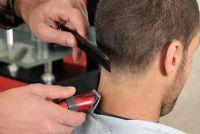 Kapper kapper plaats - dus beheren van een eenvoudige kapsel voor mannen