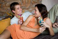 """""""Hoe knuffelt best?""""  - Hoe een romantische avond te doen"""