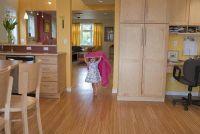 Wanneer kunnen kinderen alleen worden achtergelaten in het appartement?