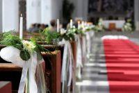 Selecteer Kerk sieraden voor de bruiloft - zodat je de kerk romantische decoreren