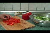 Salades voor de barbecue - twee ongewone recepten