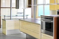 Oven met magnetron - wat u moet overwegen wanneer het kopen