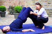 Hernia bij mannen - dus je kunt de schade met Yoga voorkomen