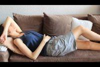 Rugpijn tijdens de periode - geven u opluchting zichzelf