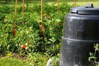 Compost containers gemaakt van hout, metaal of kunststof?  - Dat is wat niet?
