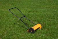 Gras gezaaid, maar onkruid groeien - dus je rijdt's