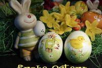 Tinker groet van Pasen in de vorm van een houten paashazen