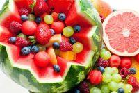Bieden fruitschaal voor de verjaardag van kind - hoe het eruit ziet vanuit heerlijke
