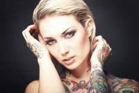 Kleurrijke tatoeages - de beste