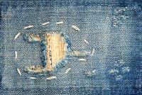 Gaten in jeans -, zodat u kunt defecten transformeren in modieuze look