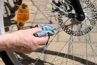 Verwijder fiets stickers weer - dus geen residuen blijven