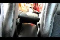 Clean lederen stoelen - dus het leer in de auto is schoon