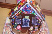 Craft ideeën voor kinderen met Kerstmis - een peperkoek huis gaat als volgt