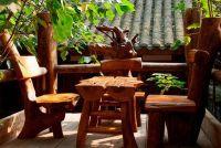 Bescherm de houten meubilair in de kelder van schimmels - dus slaagt's