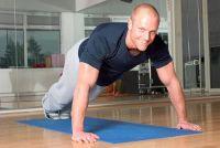 Bovenarm spieren werken - eenvoudige en effectieve oefeningen