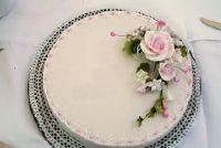 Modern gebak ontworpen door u - tips en suggesties voor ongewone bruidstaarten