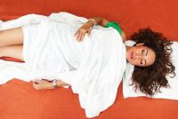 Schadelijk voor maag slaper?  - Vind gezonde slaaphouding
