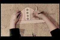Tinker Viking helm gemaakt van karton