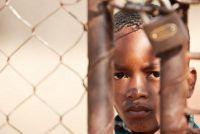Redenen voor migratie naar Duitsland - zodat je betrokken raken in een vluchtelingenkamp