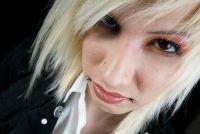 Zoals Emo dragen blonde haren - dus slagen de mislukte Look