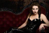 Maak vampier kostuum voor vrouwen zelf - een gids