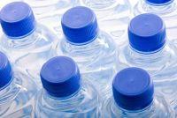 Volvic, Evian en Co - die u moet overwegen bij de aankoop van water
