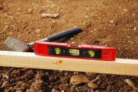 Holle blokken - zodat u te bouwen met het een tuinmuur
