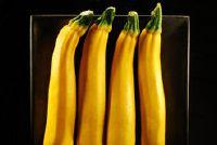 Zelfgemaakte tomatensaus - een snelle recept met courgette