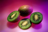 Hairy maar gezonde - eten kiwi met cup
