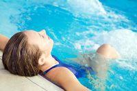 Huis remedie voor algen in het zwembad