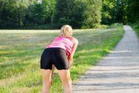 Terug pijn bij bukken - zodat u de symptomen
