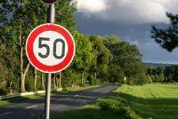 Snelheid op snelwegen en andere wegen - wat is toegestaan