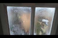 Window nat van de binnenkant - wat te doen?
