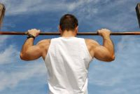 Hoeveel pull-ups?  - Trein bovenarm spieren goed