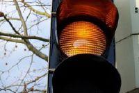 Rijden of Stop op geel?