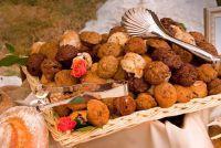 Te versieren feestelijke tafel uw New Year's mooie