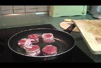 Varkensvlees gebraad in de pan - hoe het is sappig