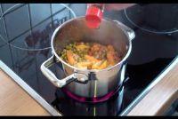 Voorbereiding van de erwten en wortelen